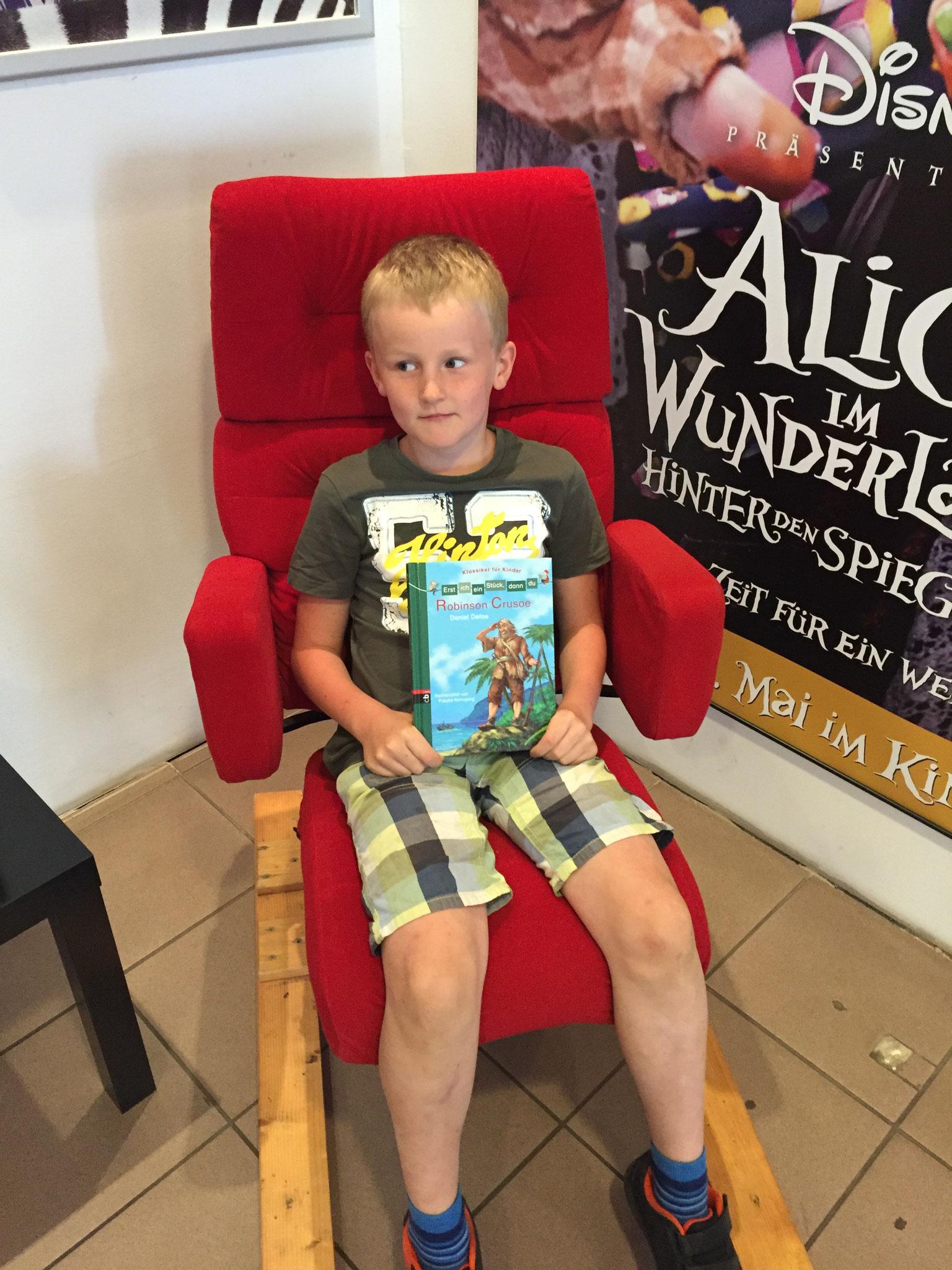 Sebastian hats geschafft und sitzt immer noch im Stuhl