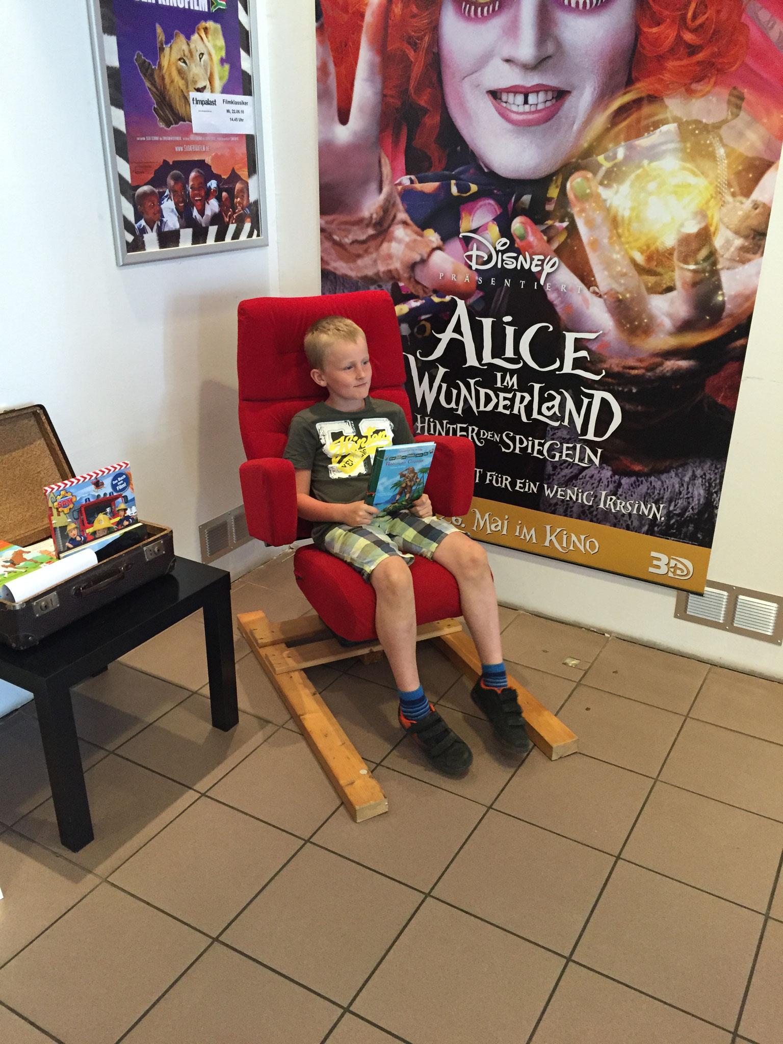 Sebastian hats geschafft und sitzt im Stuhl