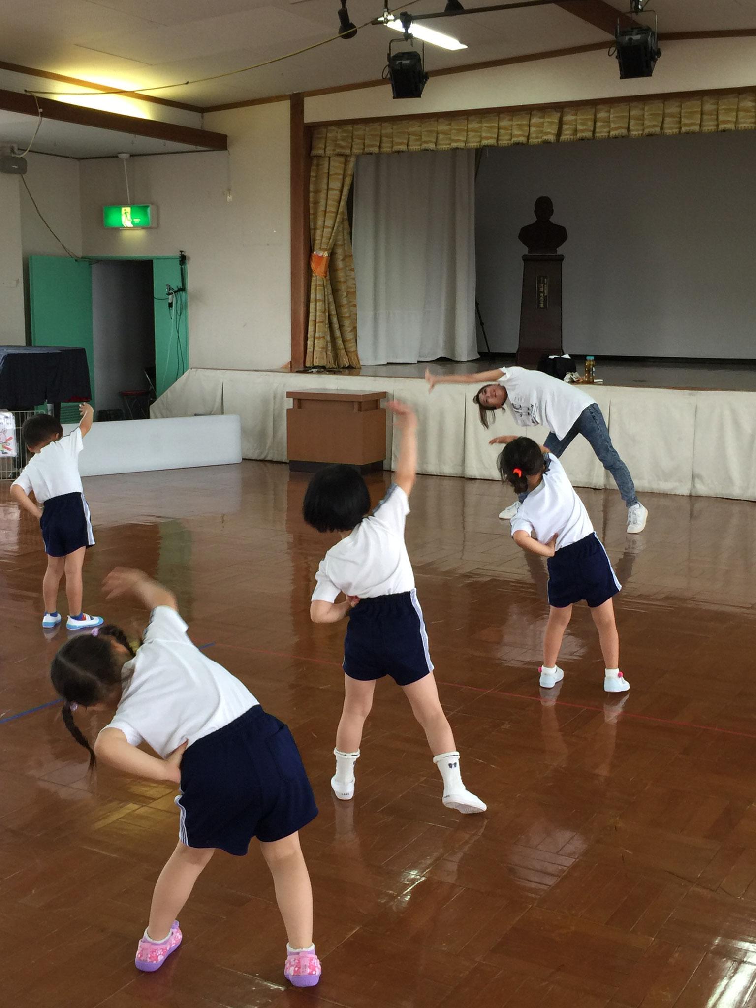 ダンス遊び中☆