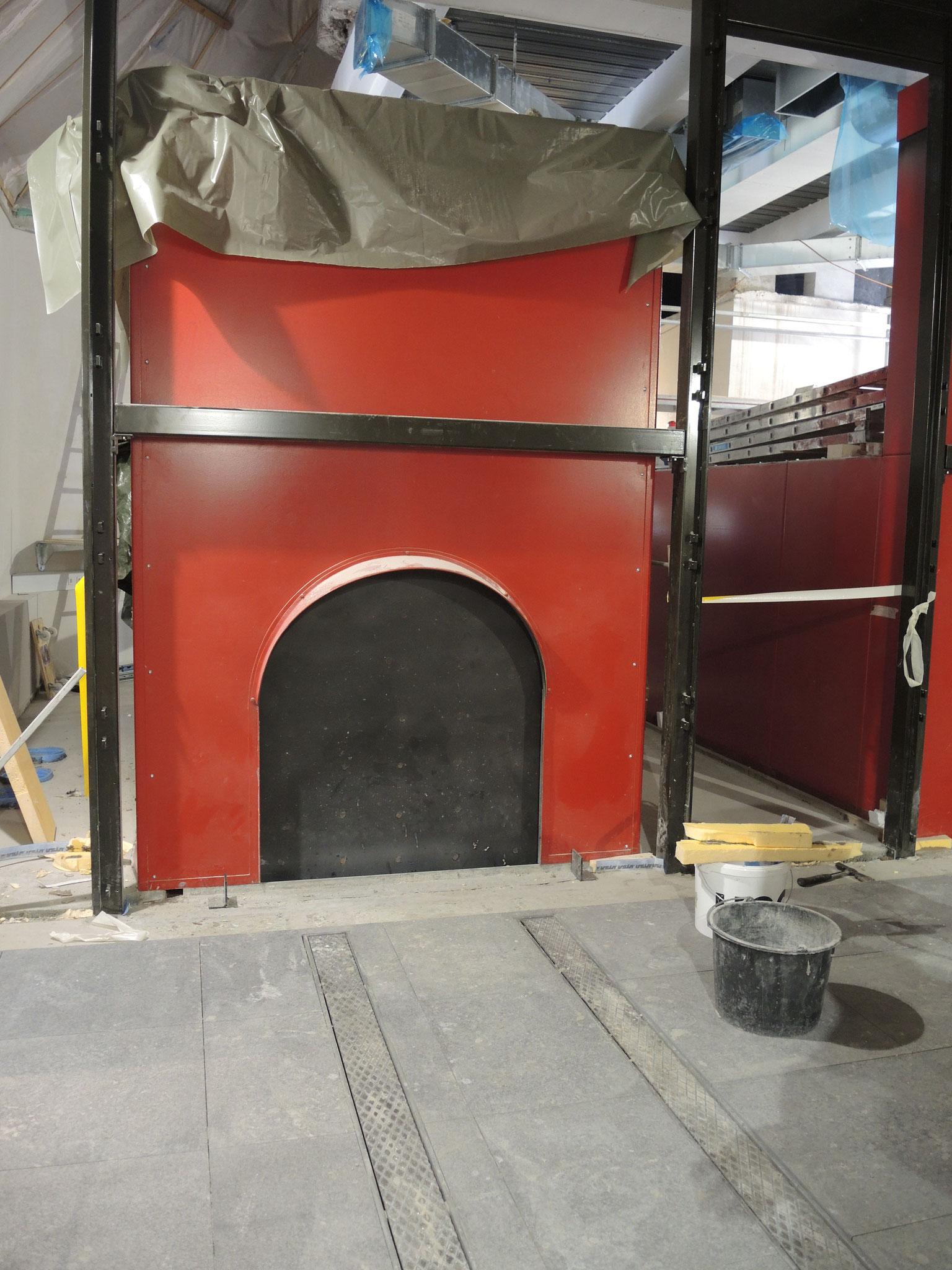 Quarzsandsteinbodenplatten im Krematorium Rüti