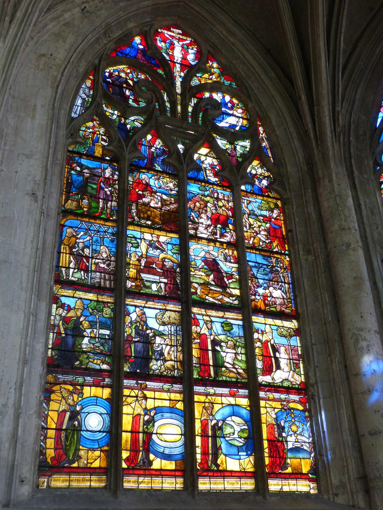 vitrail de la création à l' église Ste Madeleine à Troyes