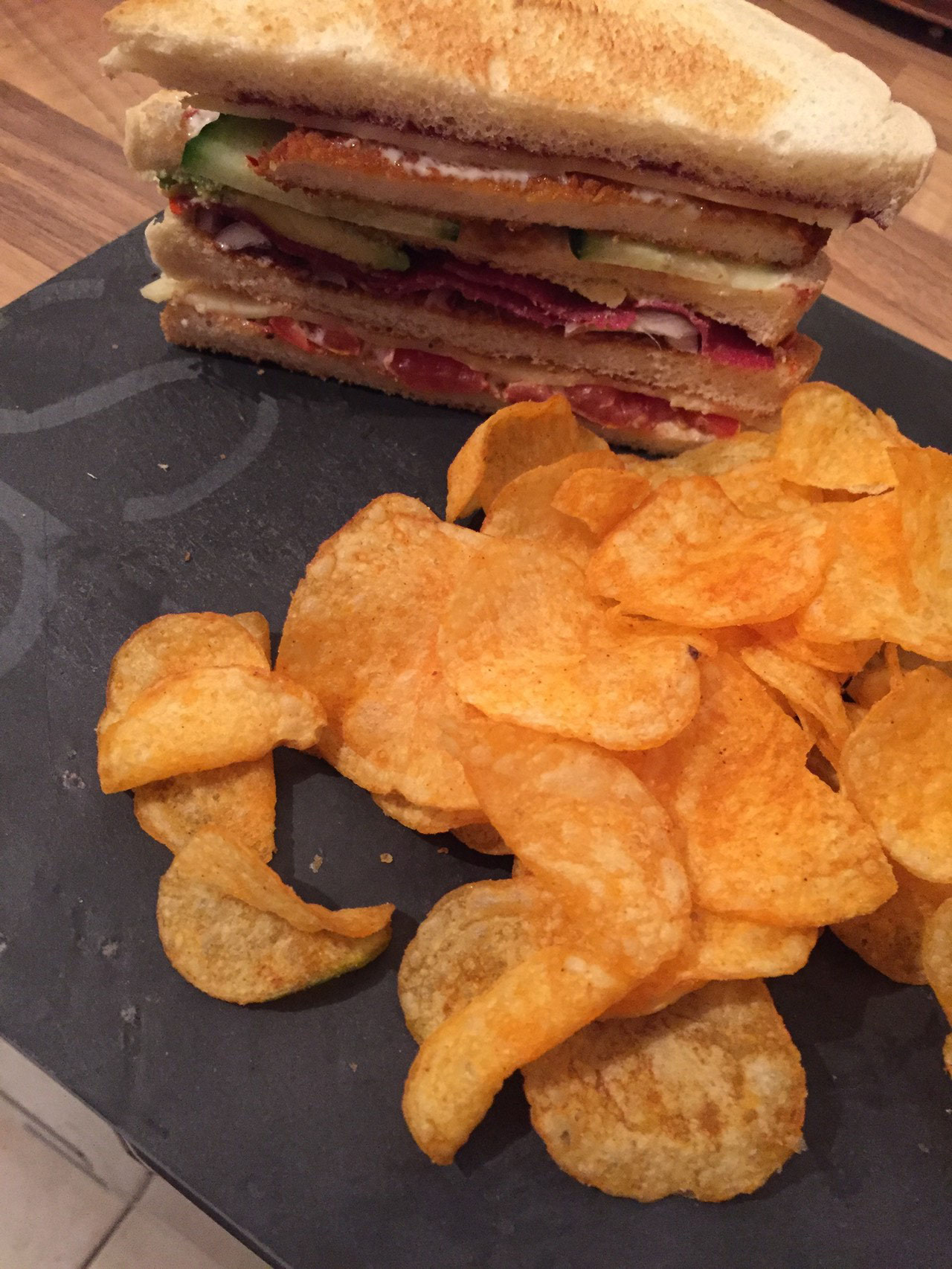 Rezept Club-Sandwich a la Maus mit Acovado, Schnitzel und Feigensenf Kaese