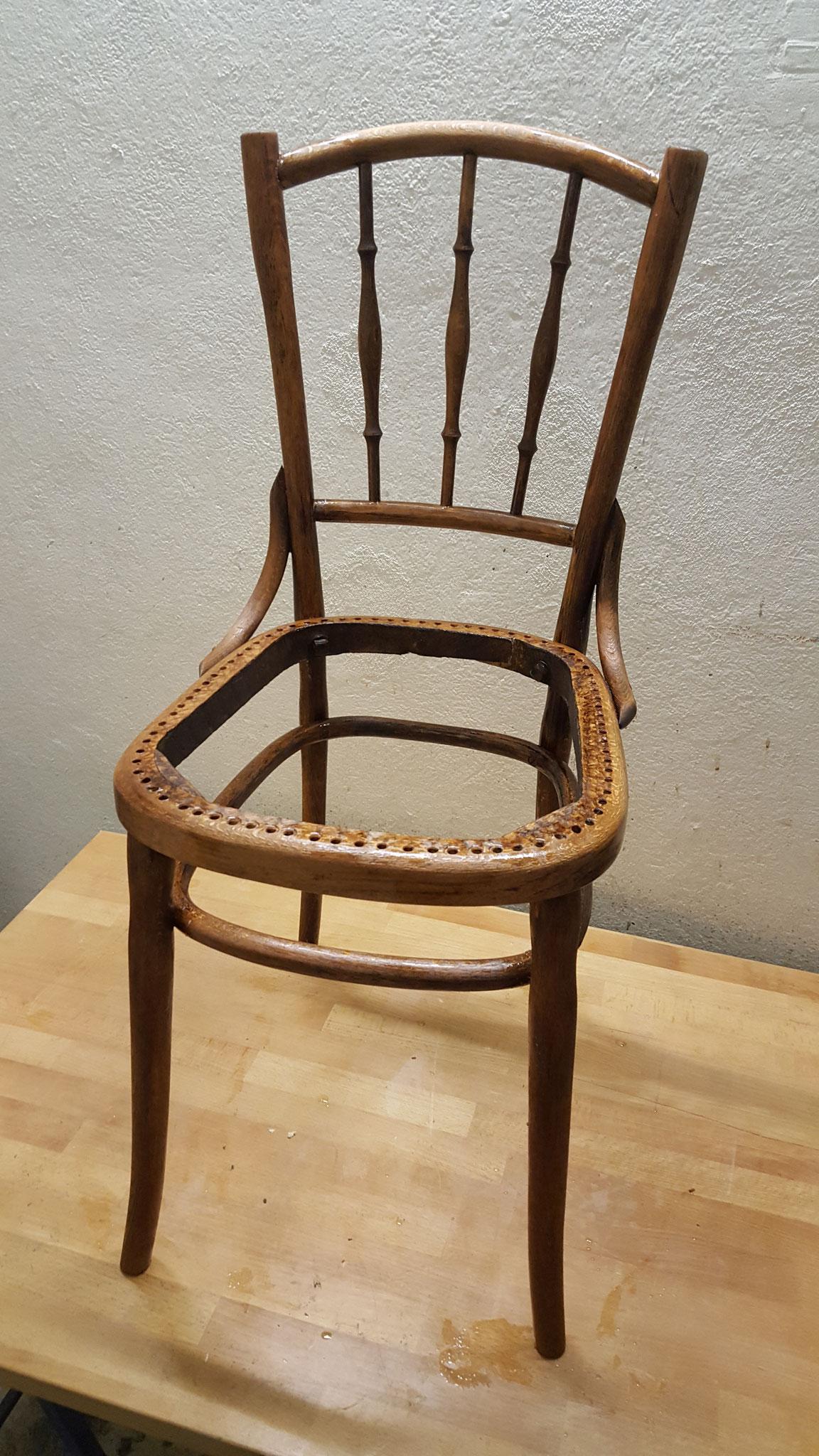 Mit einem biologischen Holzöl wurde der Stuhl behandelt