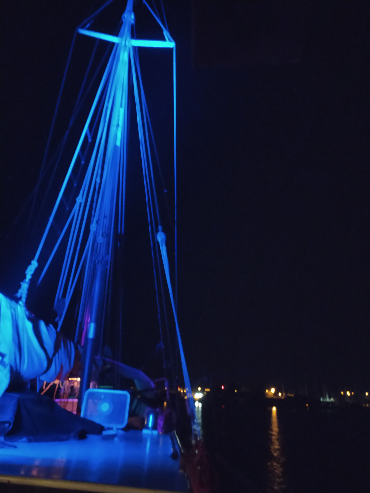 voilier soirée à bord sud de la france