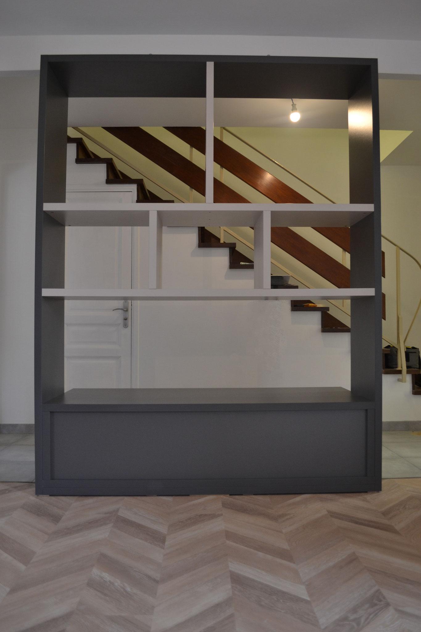 Etagère avec meuble bas 3 portes