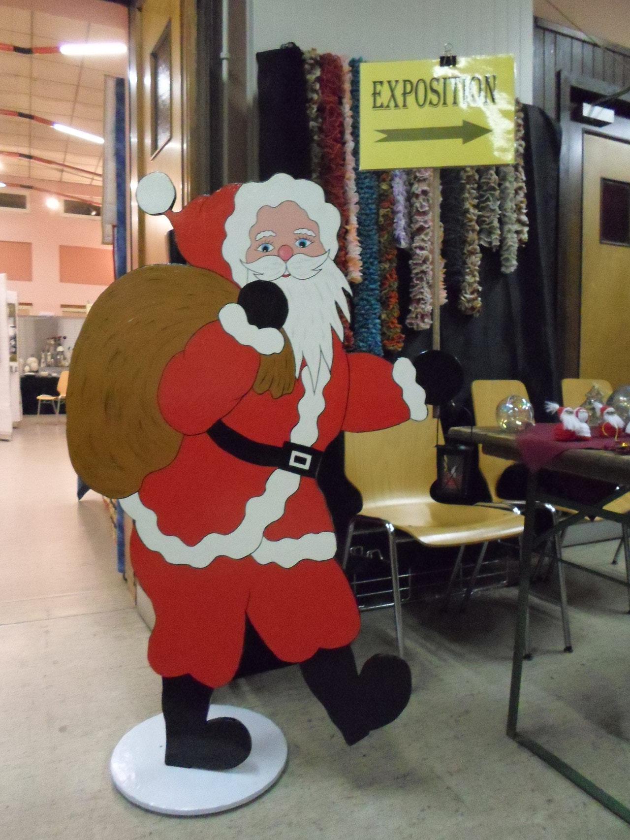 Père Noël offert à l'Amicale fait par Georgette et Jean-Jacques
