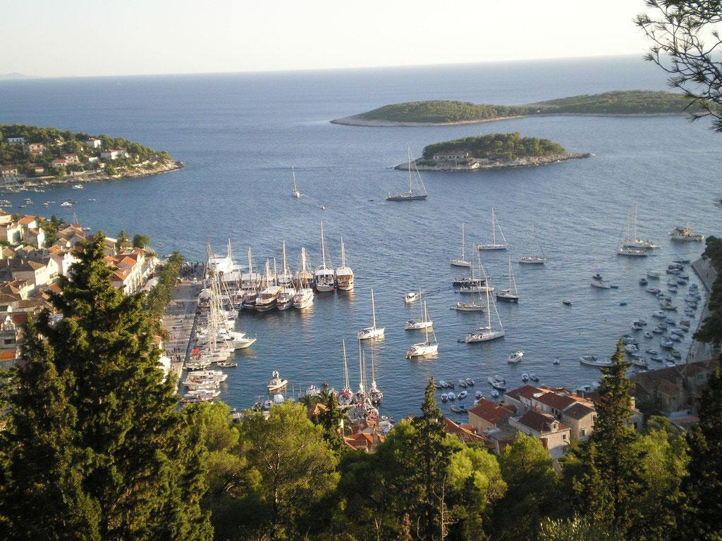 Blick auf die Alt-Stadt Hvar