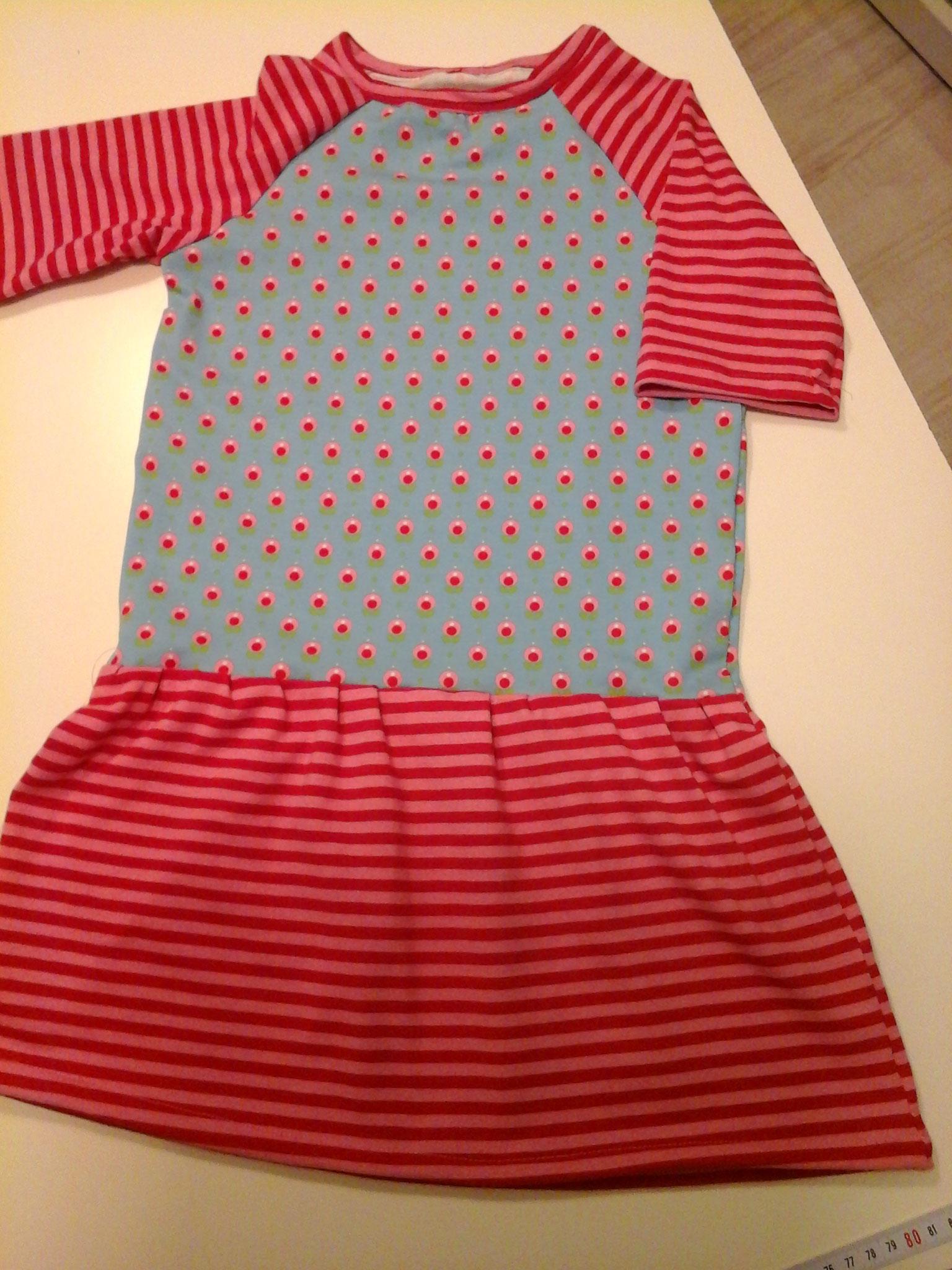 Kinder-Basicshirt-Kurs (Abwandlung zu einem süßen Kleidchen) von M.