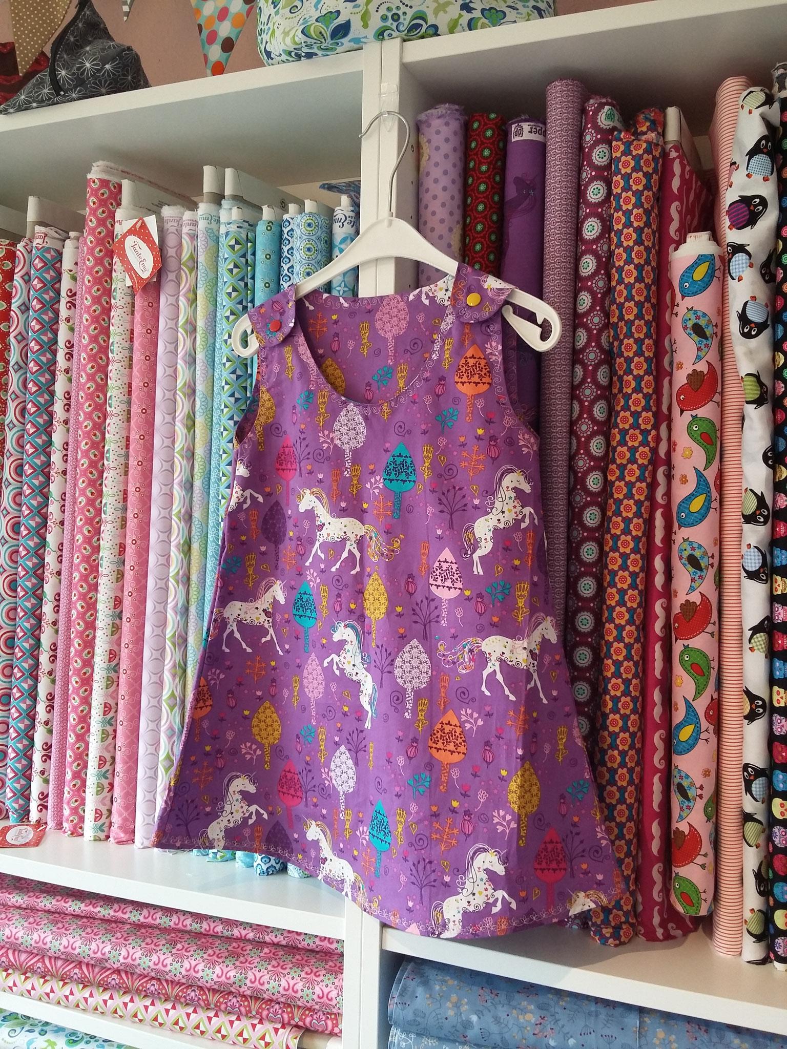 Kleidchen in A-Form nach einem Schnittmuster von Alles-für-Selbermacher
