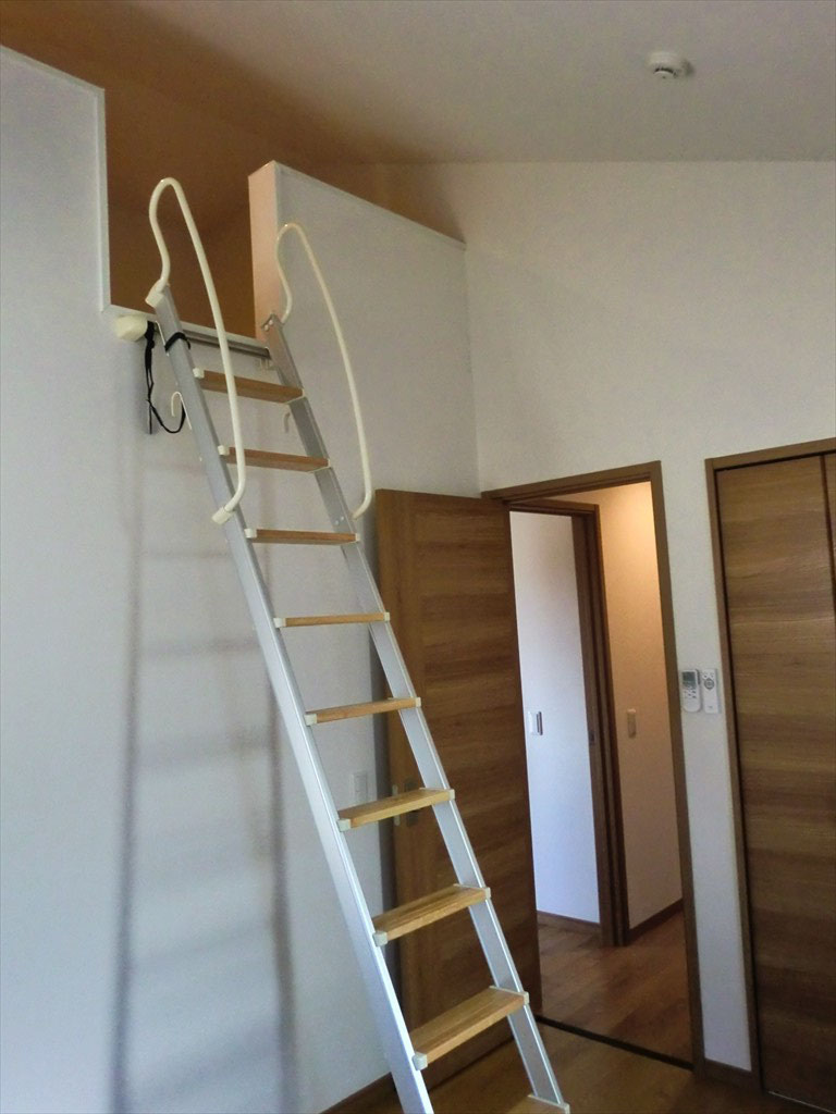 2階洋室 -ロフトを設置することにより、空間を最大限活かしました-