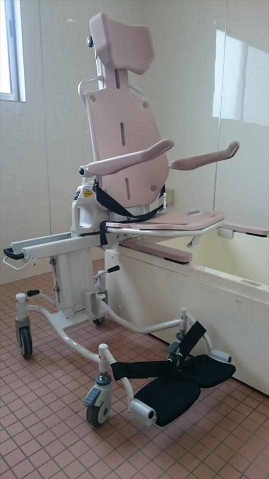 浴室 -電動車いすのまま入浴可能①-