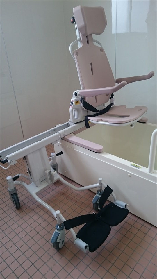 浴室 -電動車いすのまま入浴可能②-