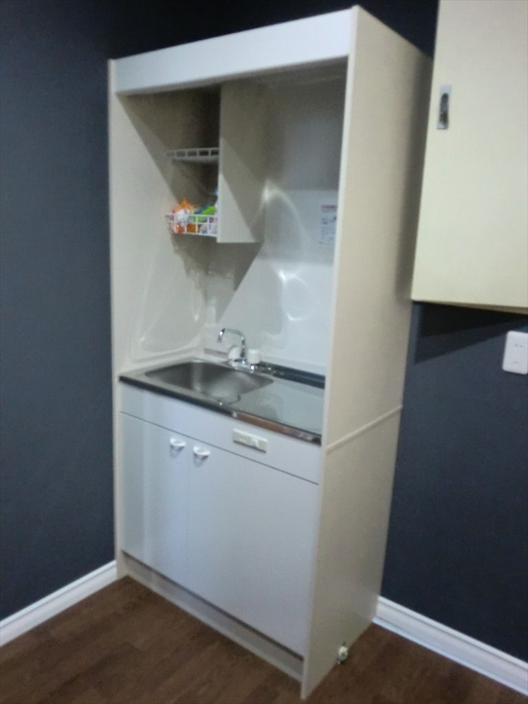 従業員スペース -ミニキッチンを配置致しました-