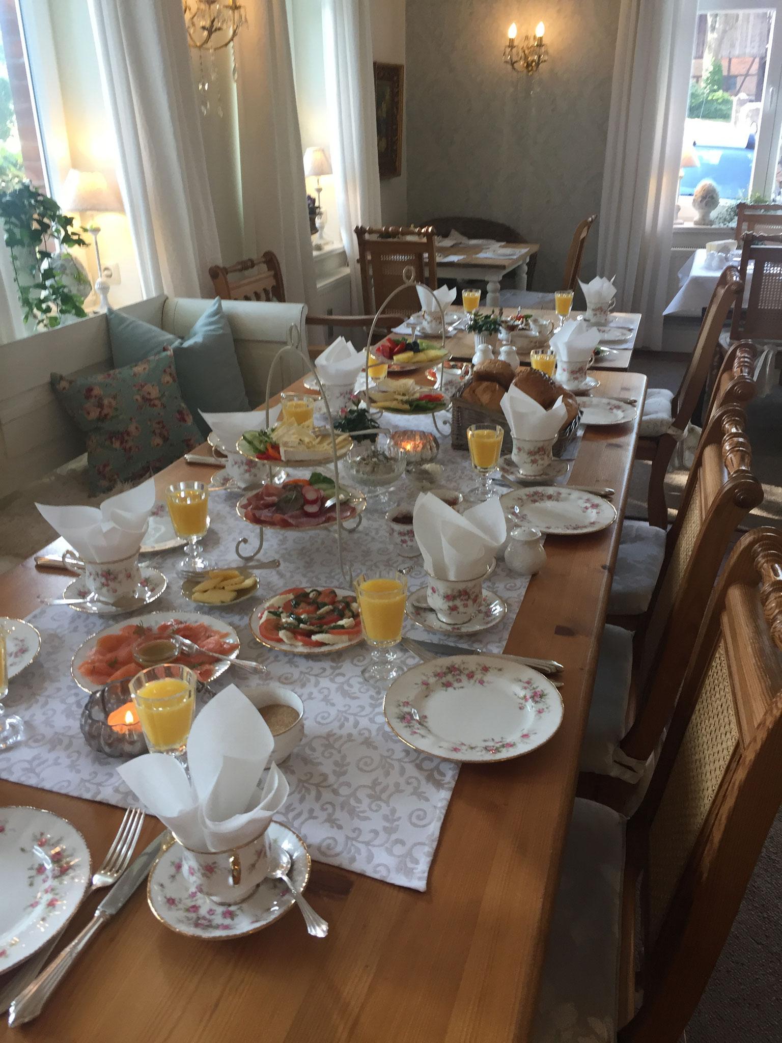 Es darf gefrühstückt werden...