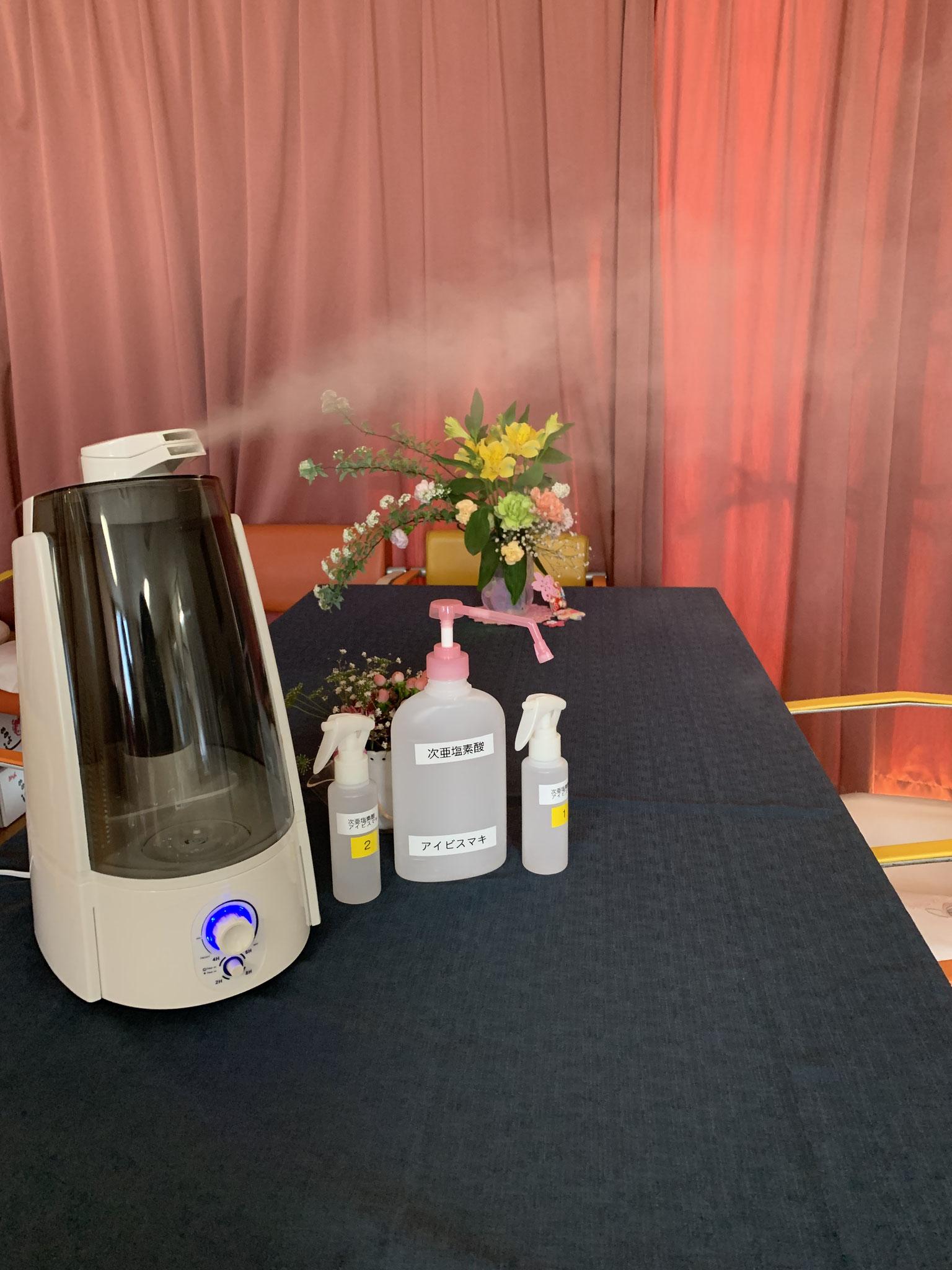 5階厨房、レストランでは噴霧器での除菌と調理前、患者様のお食事前に使用いたします。