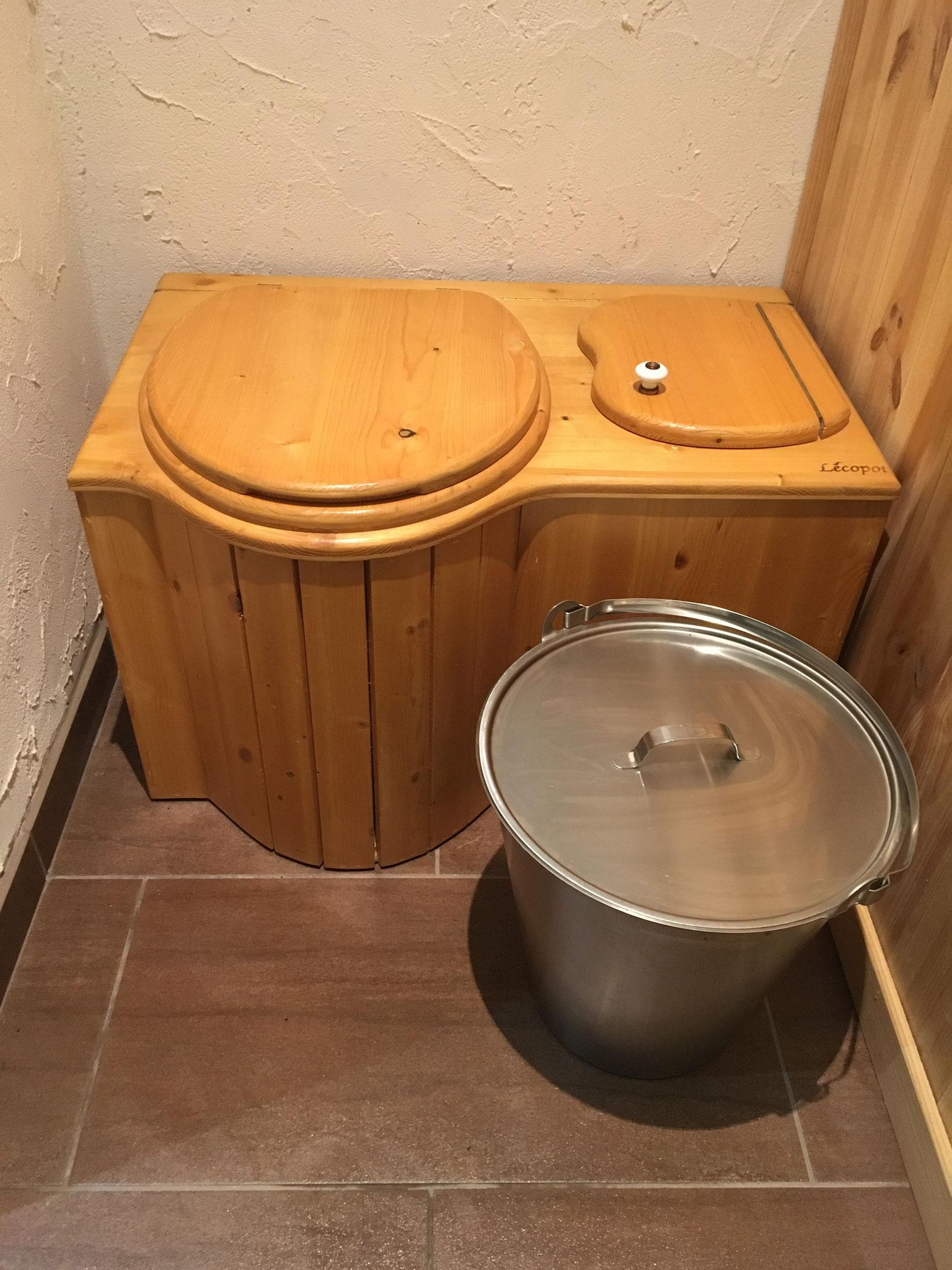 """Toilettes sèches ou """"TLB"""""""