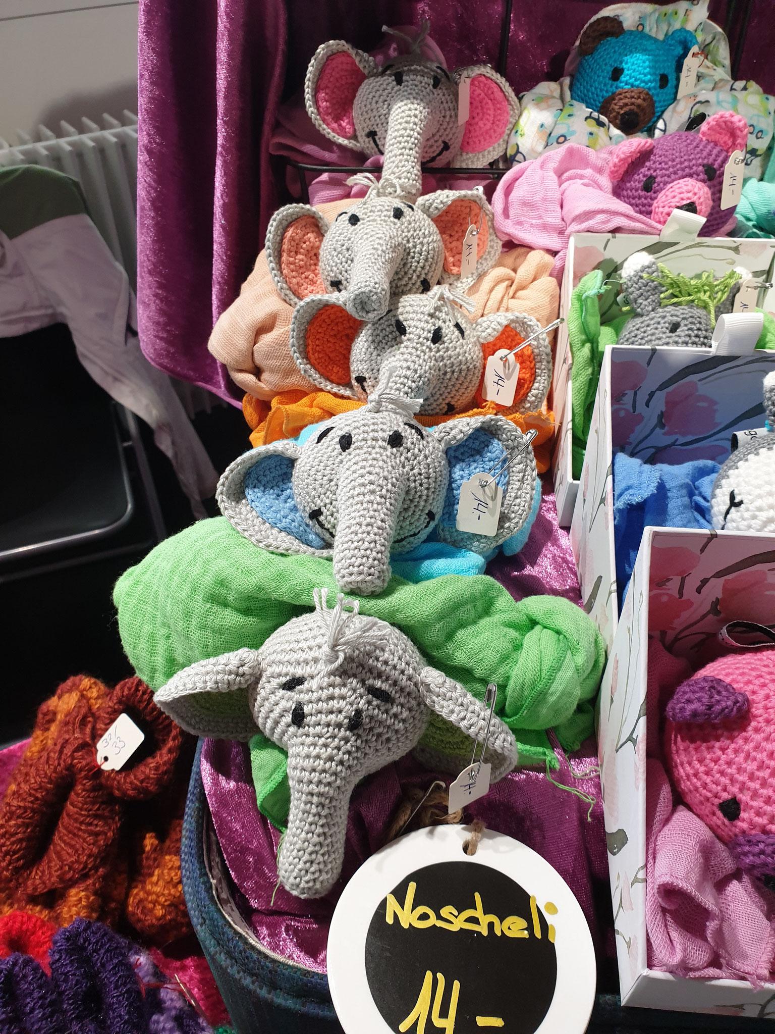Noscheli  / Schnuffeltücher mit angenähtem Tierkopf. Elefanten, Esel, Bären, Schildkröten, etc.