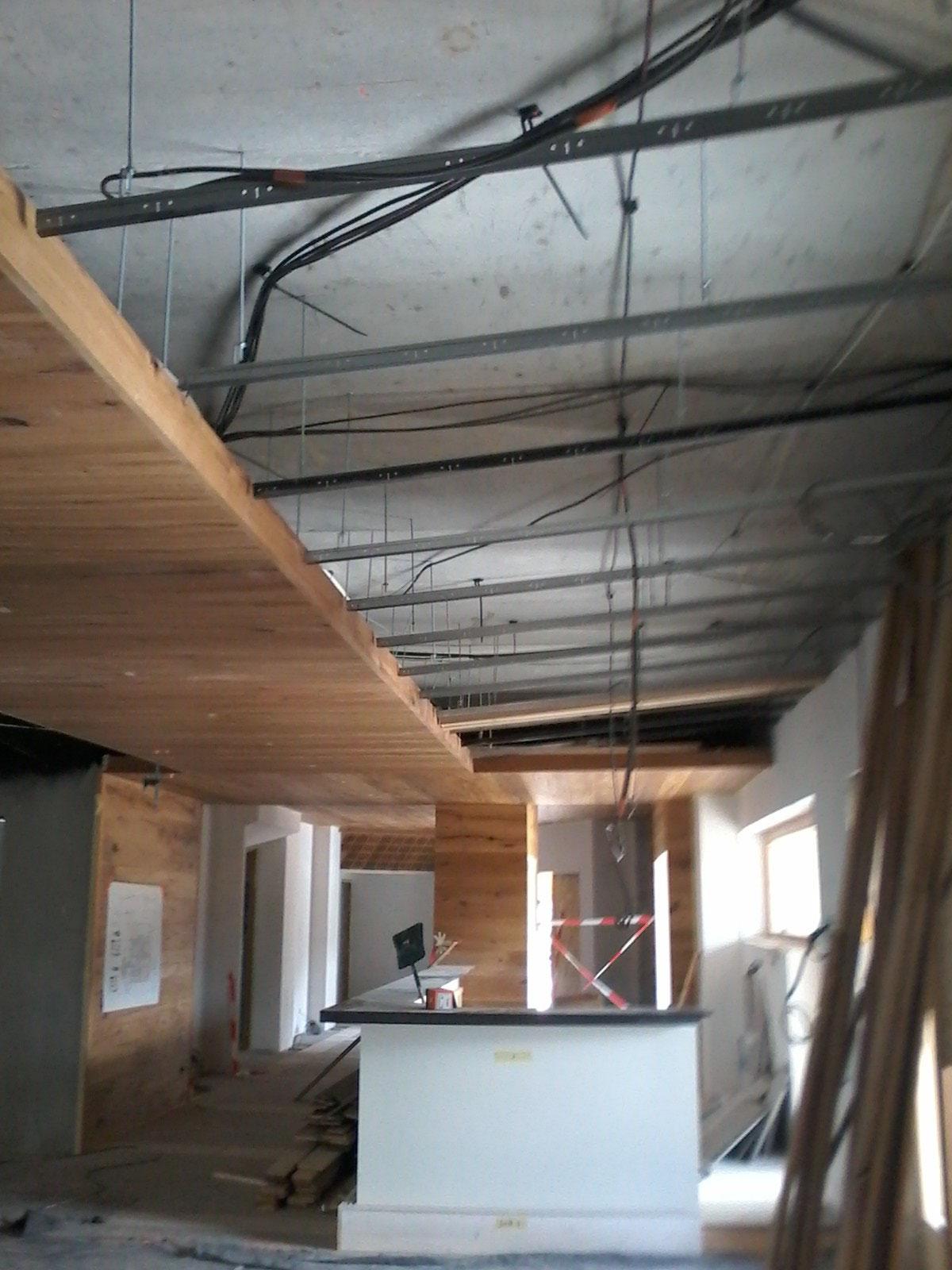 plafond bois décoratif
