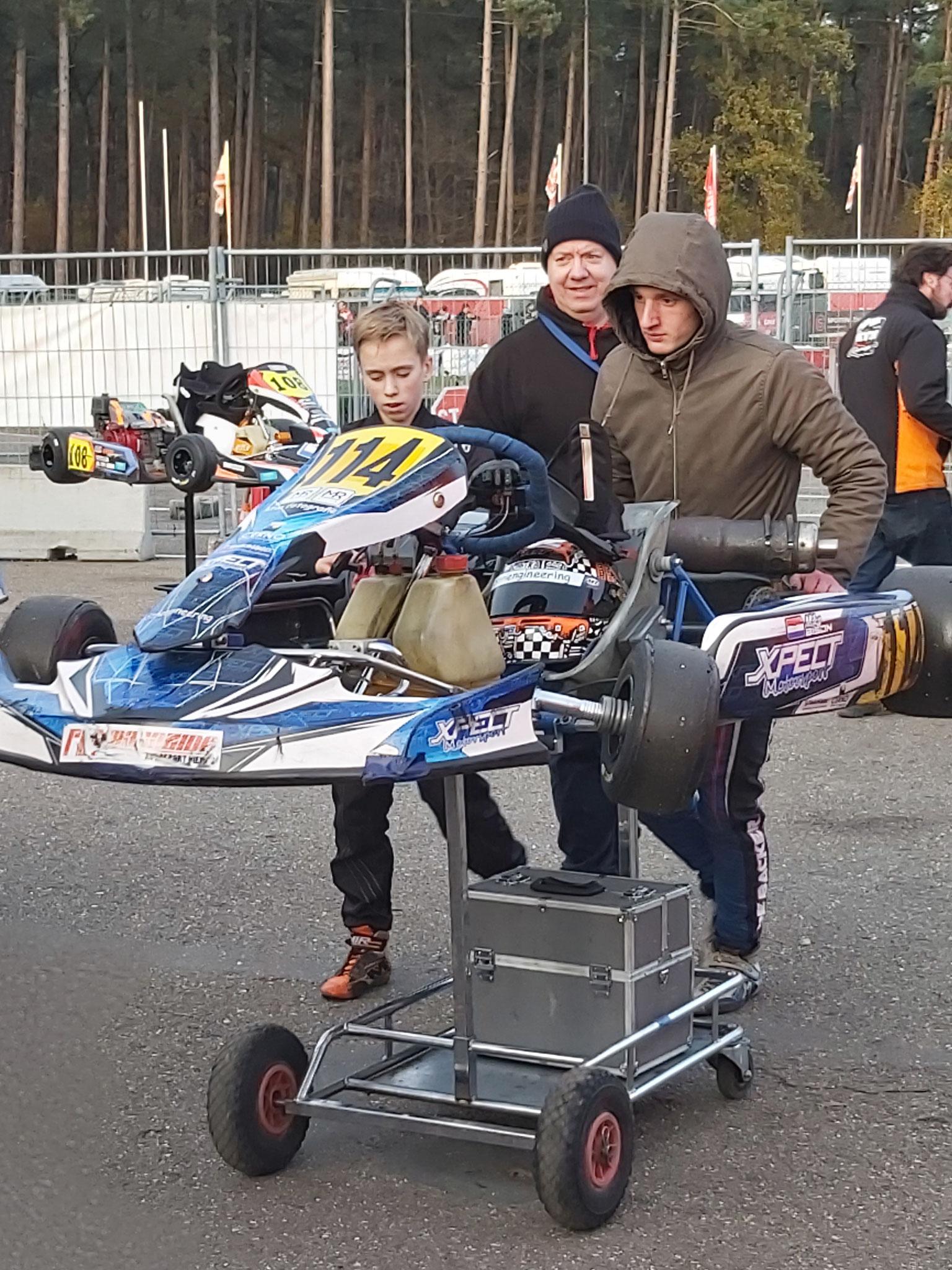 Tevreden met P5, even met Tomas bespreken hoe de race is verlopen.