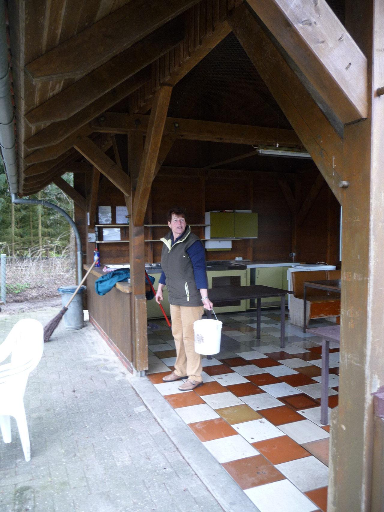 Marianne hat Platz und Hütte sauber!
