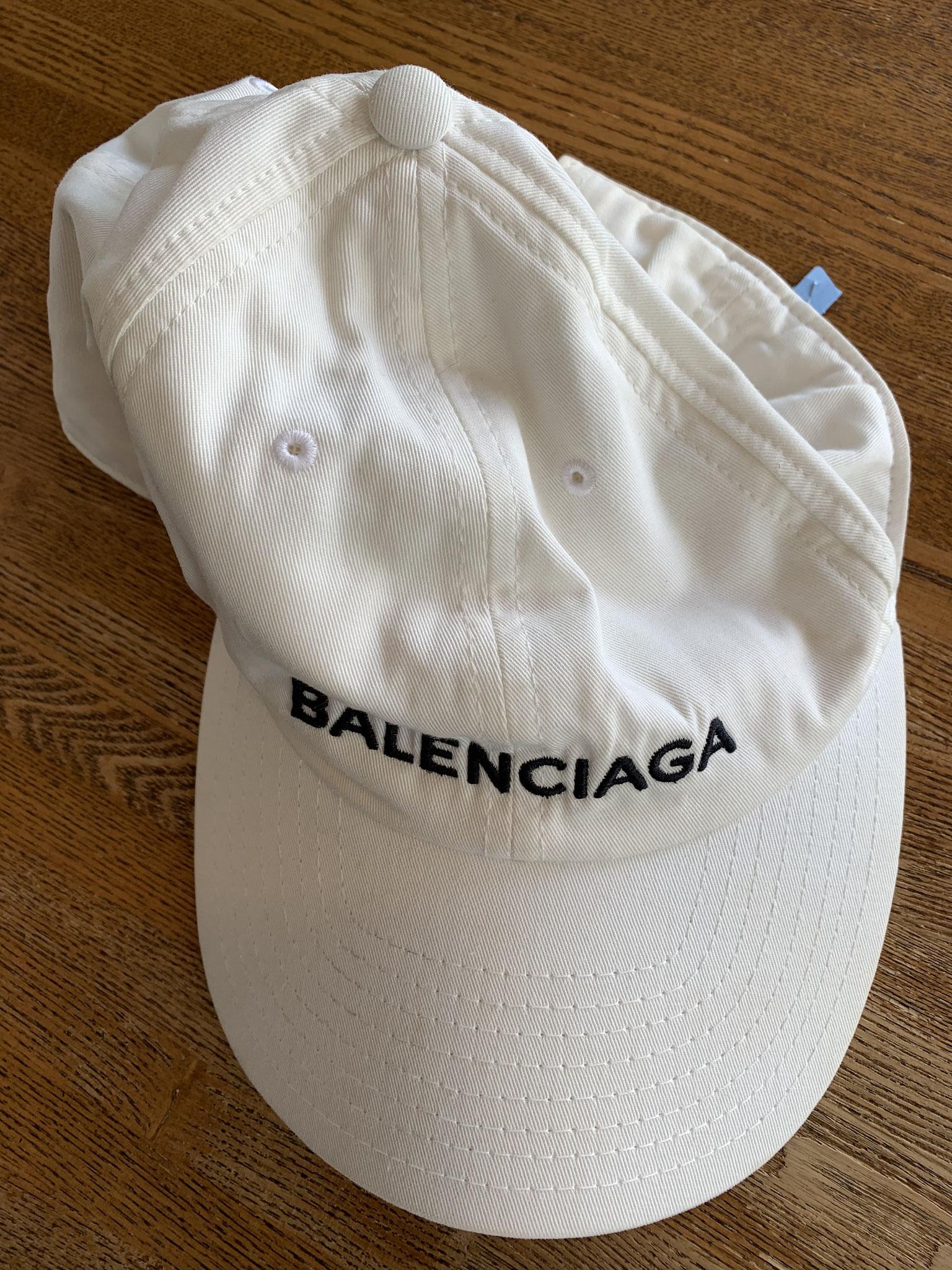 シワシワ潰れたバレンシアガ