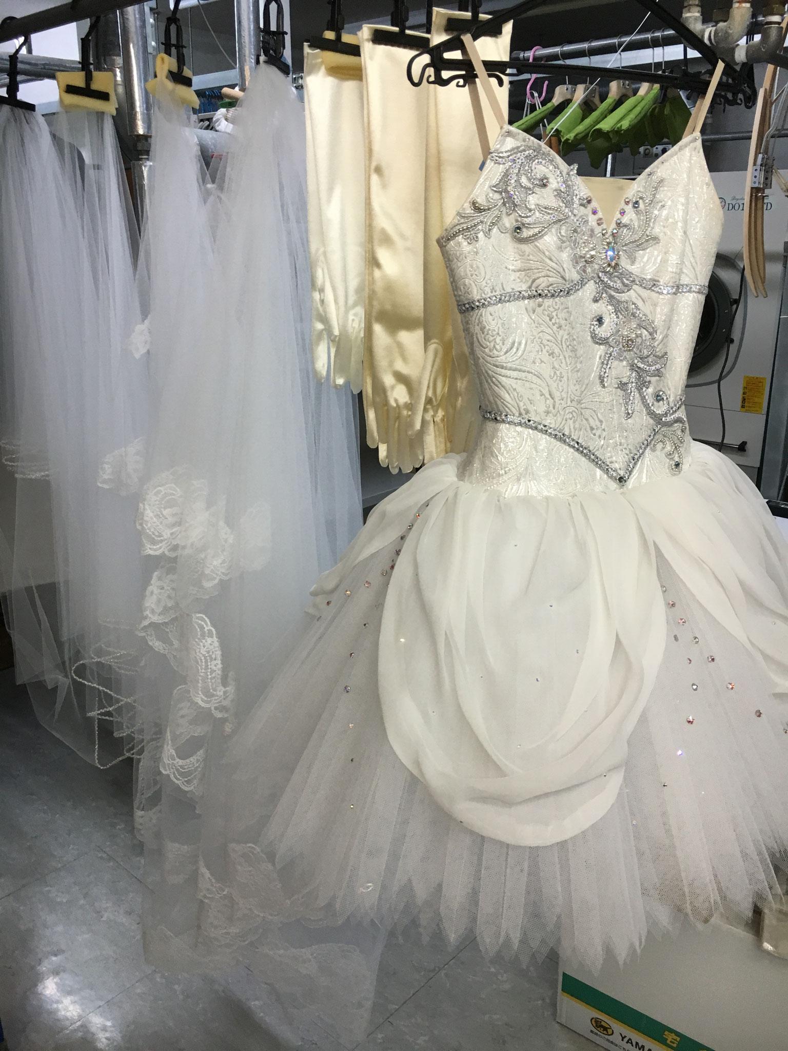 ウェディングドレスのクリーニング