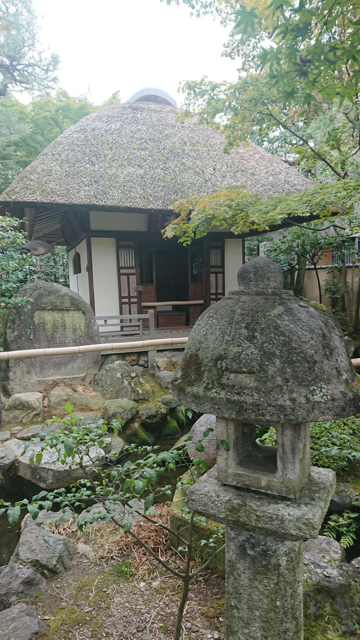 翁堂 芭蕉の像を安置する堂