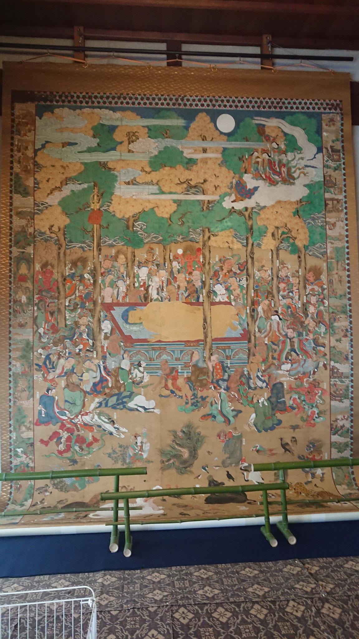 等身大の釈迦大涅槃図