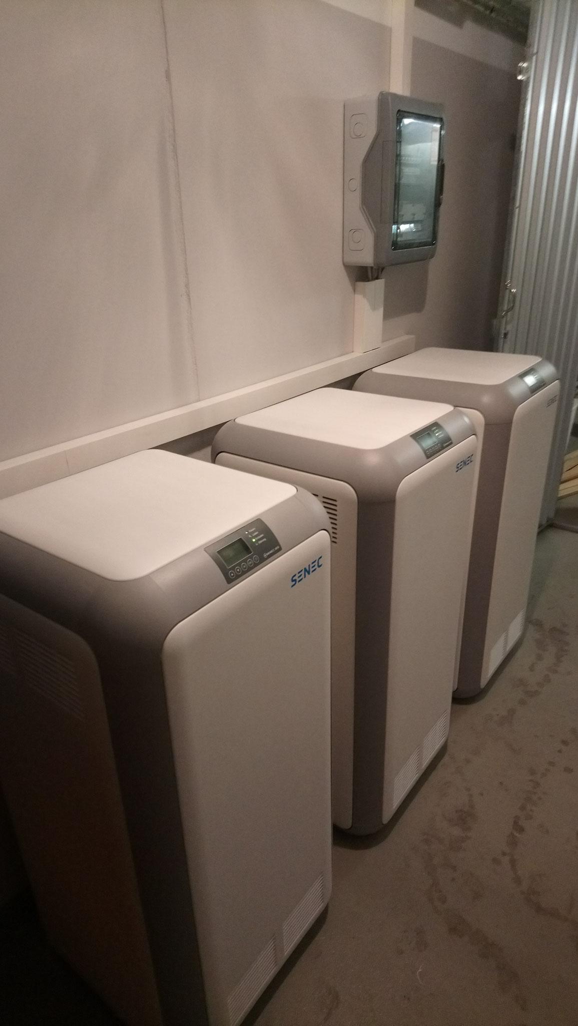 3x 10 kWh Senec Speicher für ein Mieterstromkonzept in Strausberg bei Berlin in Verbindung mit einem BHKW und einer 9,8 kWp PV-Anlage