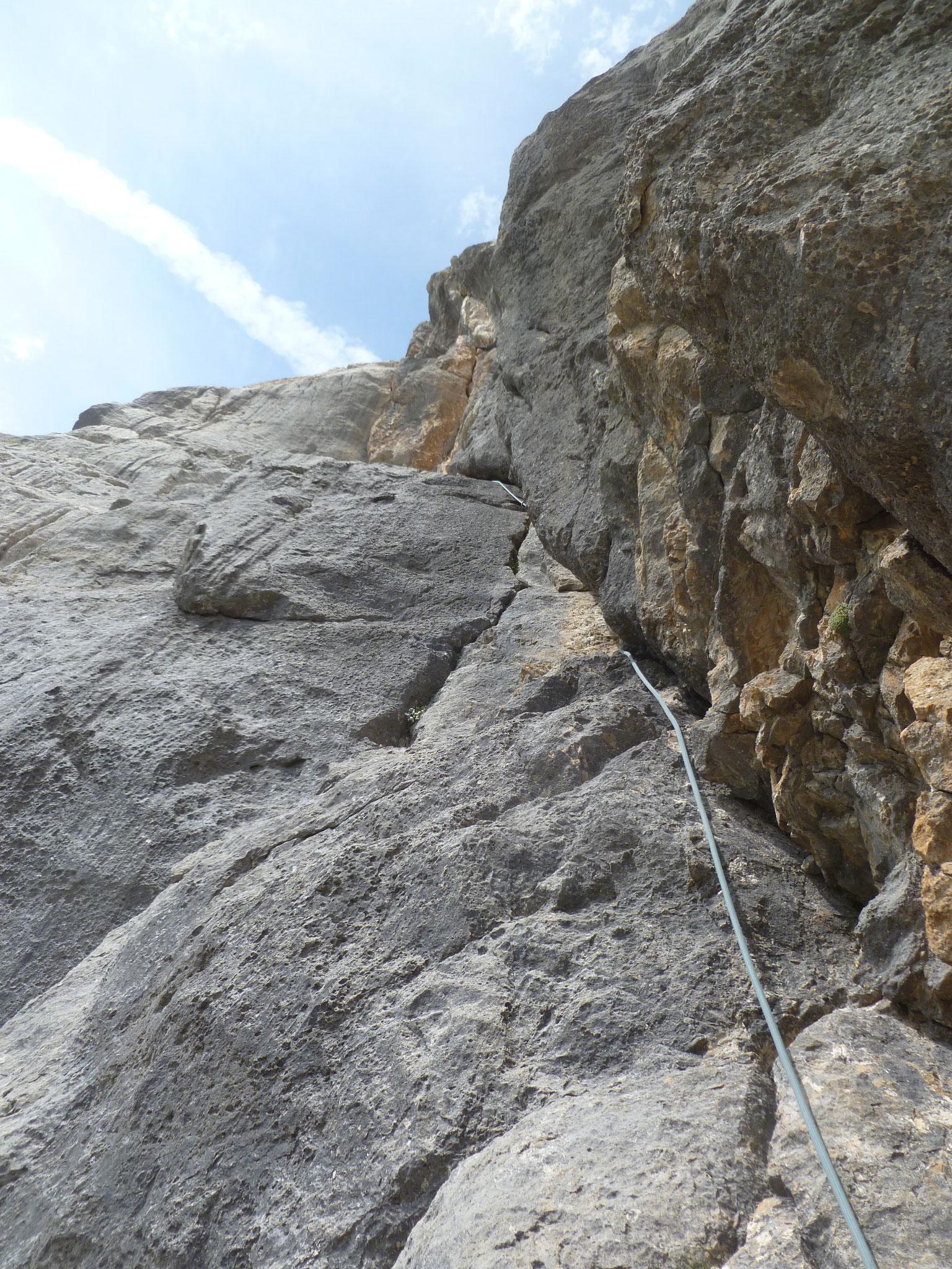 Nicht ganz leicht aber gute Kletterei