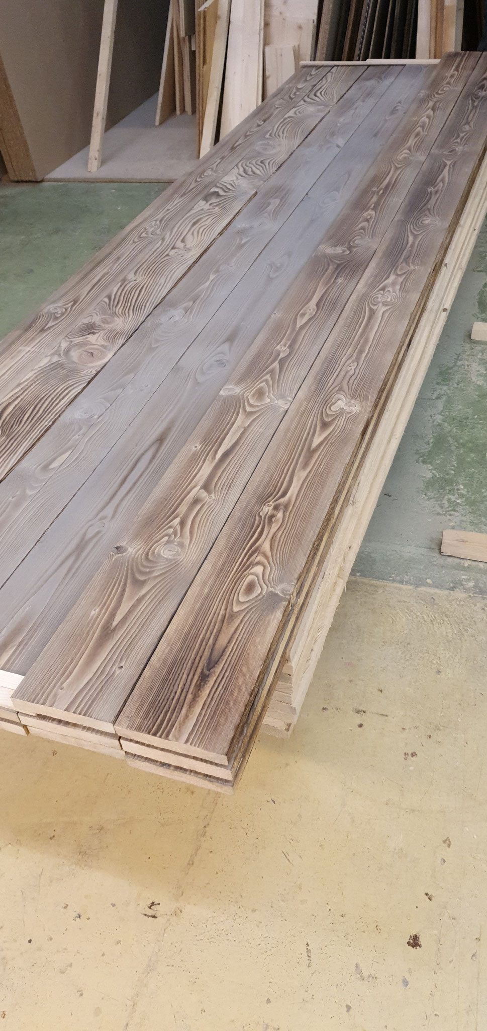 Aus Neu machen wir designtes Altholz Kulisse