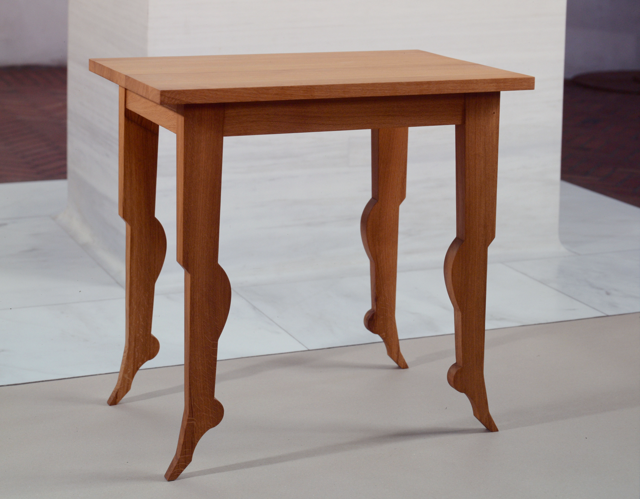 """Table taille Moyenne"" chêne massif 77 x 58 x 84 cm"