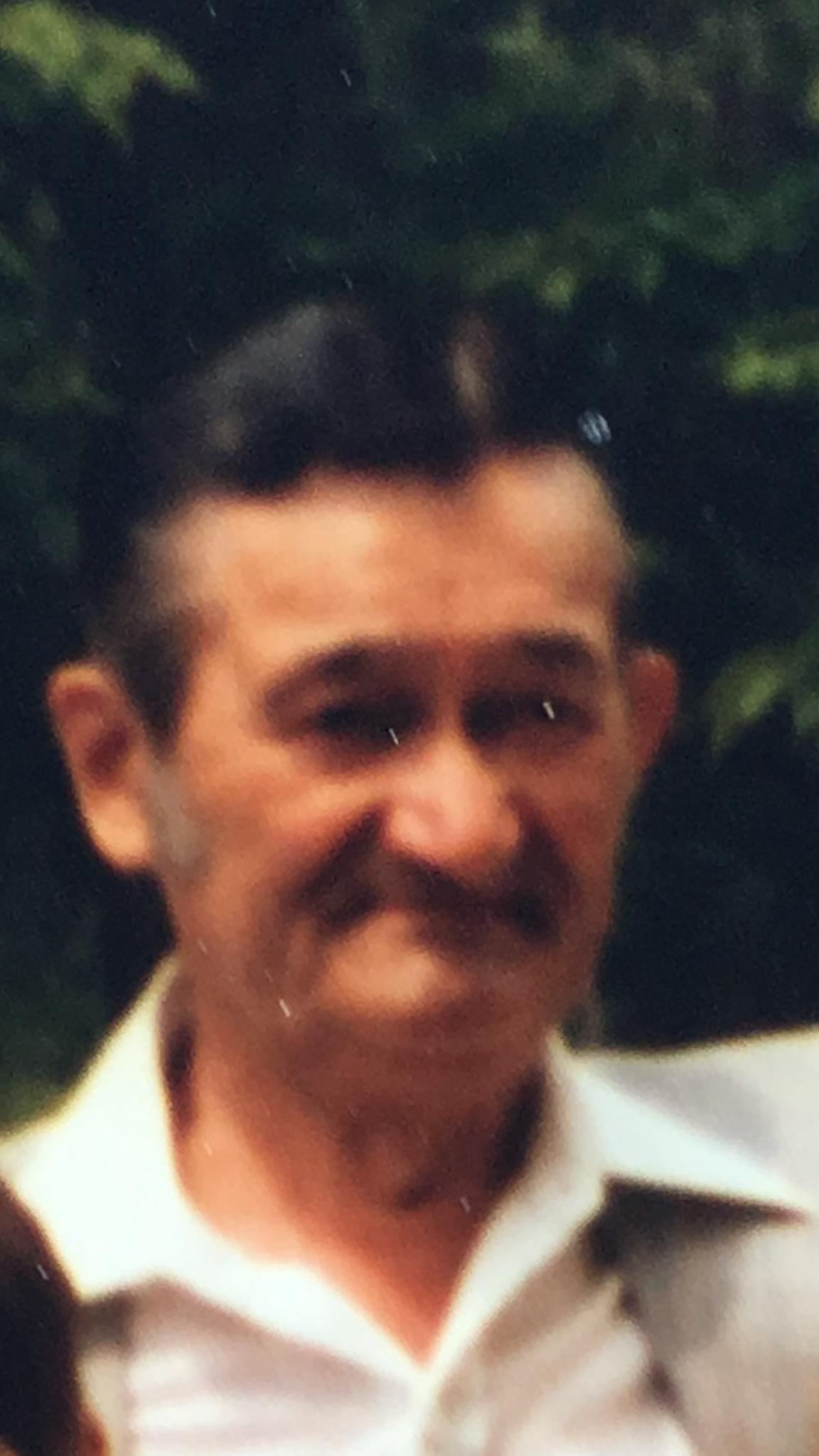 Hugo Weiss ausgewandert nach USA ( Vater von Dietmar Weiß )