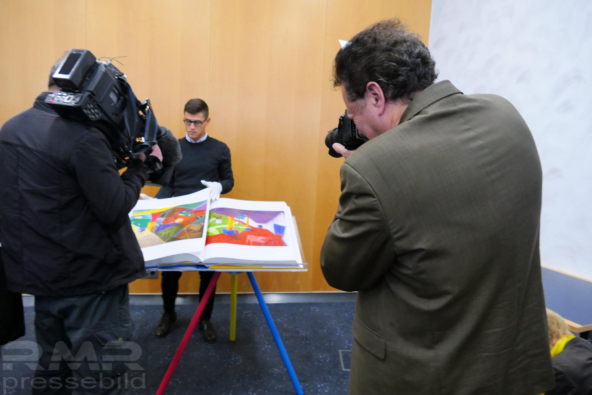 Medien © FFM PHOTO / Klaus Leitzbach