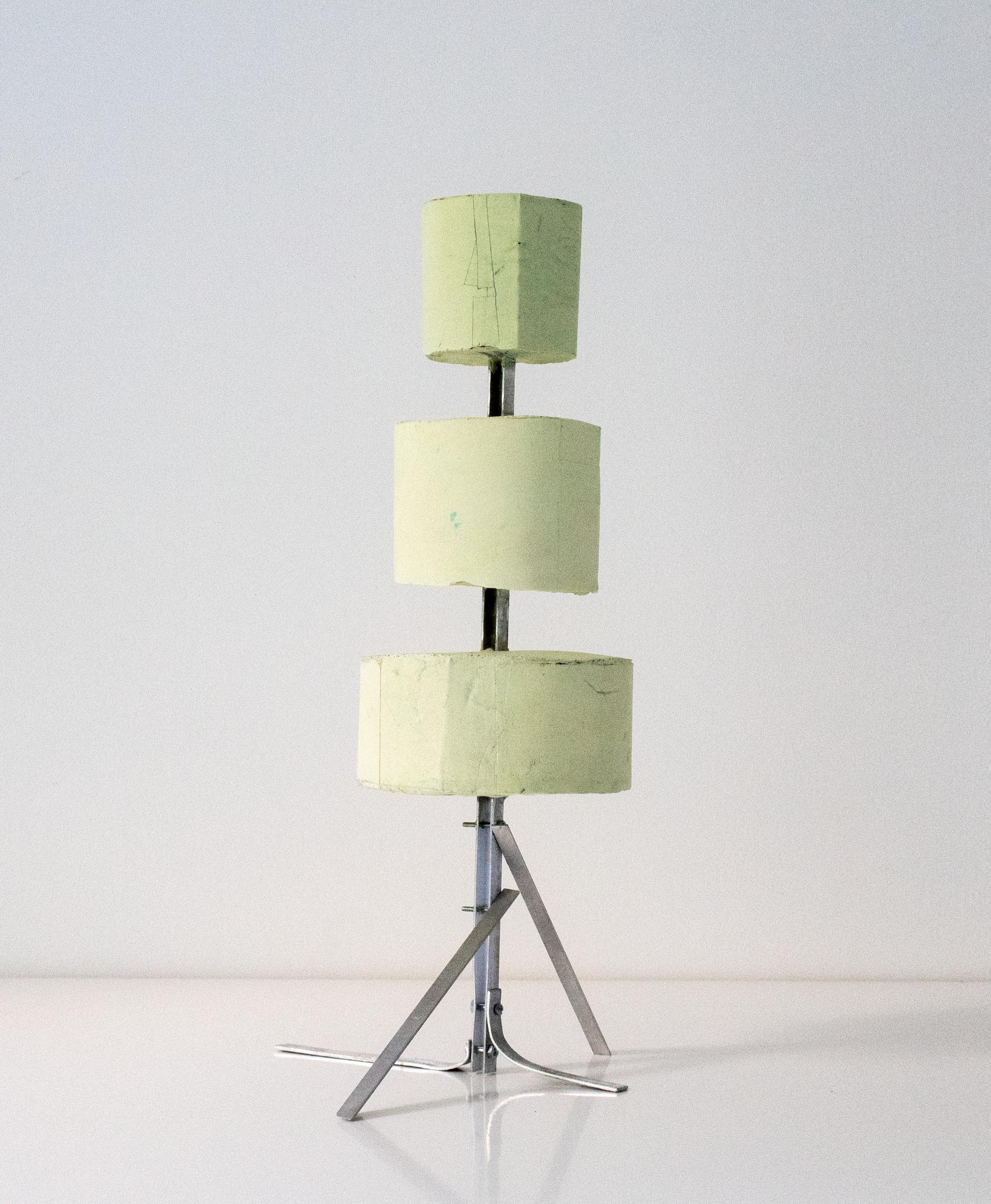 Formschnitt Nr.3_Betonguss, Pigment; Aluminium_33 x 17 x 15,5 cm_2018