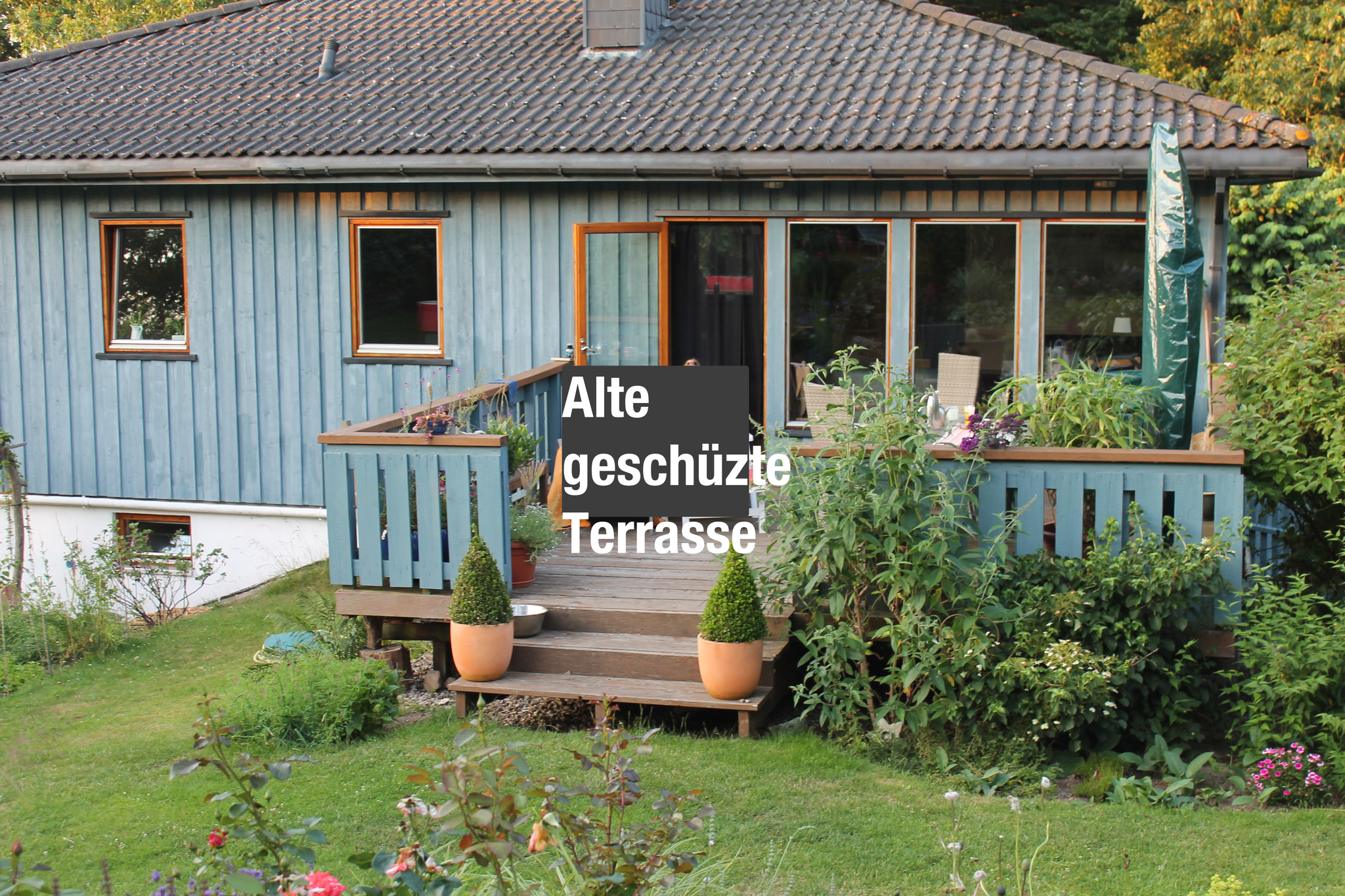 """Die """"Alte"""". 20 Jahre Holzterrasse am Blauen Haus"""