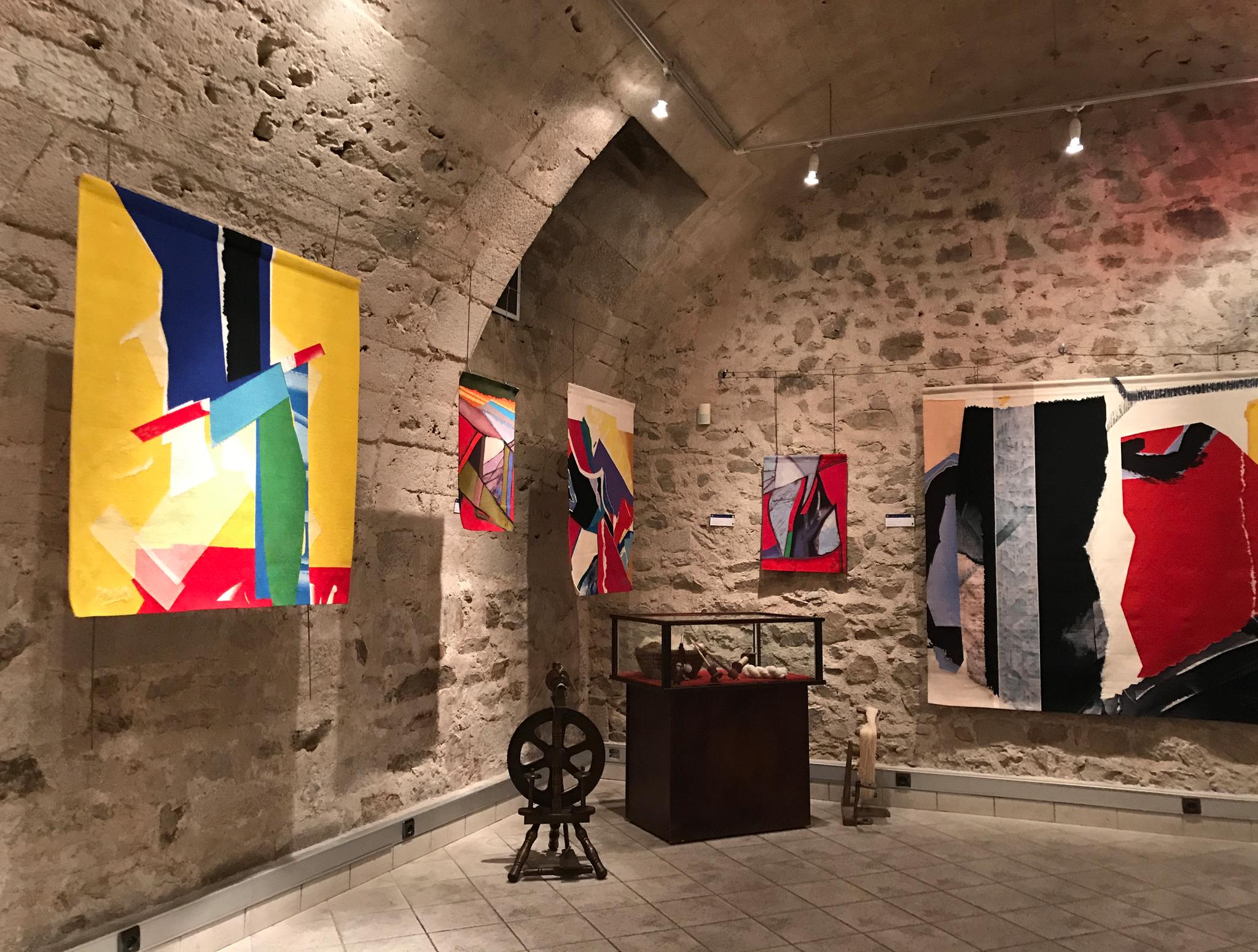 Exposition au sous-sol de la cité des métiers et des arts