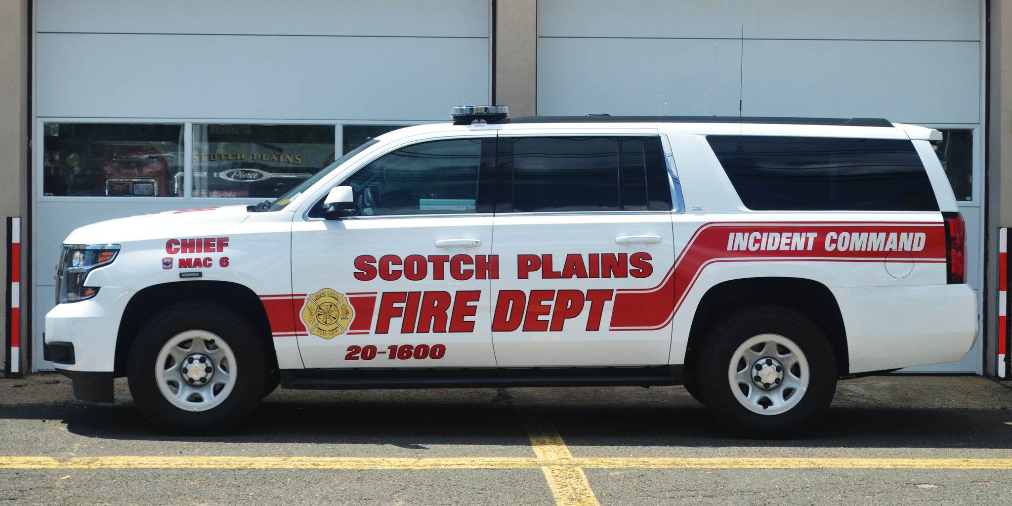 Chief's Car 1600: 2016 Chevrolet Suburban Incident Command