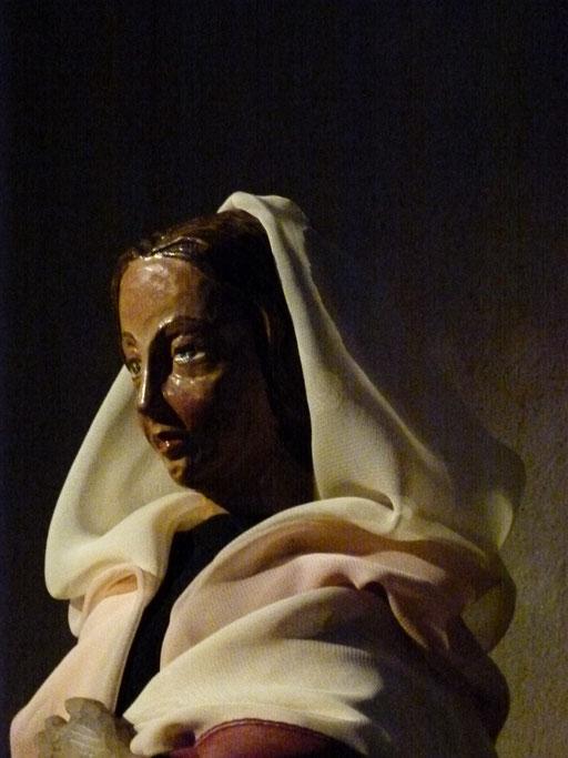 In diesen Tagen machte sich Maria auf den Weg und eilte in eine Stadt im Bergland von Judäa.
