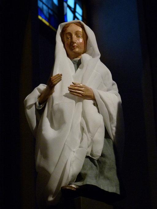Wer bin ich, dass die Mutter meines Herrn zu mir kommt? Denn siehe, in dem Augenblick, als ich deinen Gruß hörte, hüpfte das Kind vor Freude in meinem Leib.