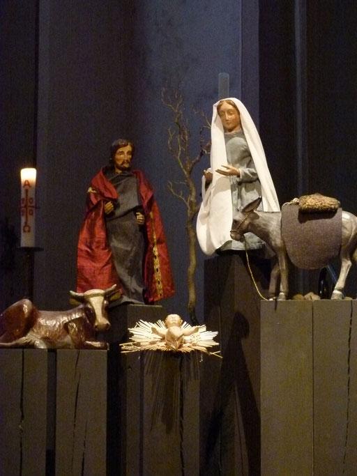 noch ist hier aber das Motiv von Weihnachten zu sehen ... (Milieukrippe Sankt Maria Lyskirchen, Idee und Konzeption: Benjamin Marx, Foto: Matthias Schnegg)