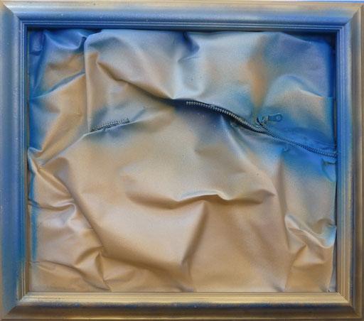 """""""OroBlu"""", cm 66 x 57 /Technique mixte sur toile avec fermeture éclair /Année 2016 /Publié www.ritzow. com /Exposé Galleria ArteCapital Brescia, Showroom Ritzow Milano, Galerie Kunst und Medizin Berlin, Au verso Signature, Année, Timbre"""