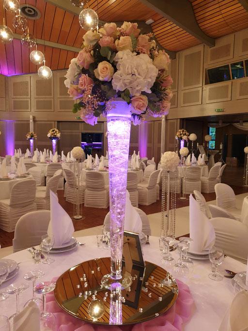 großes Blumengesteck Märchenhochzeit LED-Vase Krisall Hochzeitsdekoration