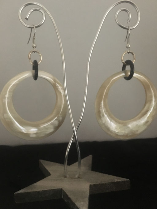 Ohrringe aus Horn Unikat