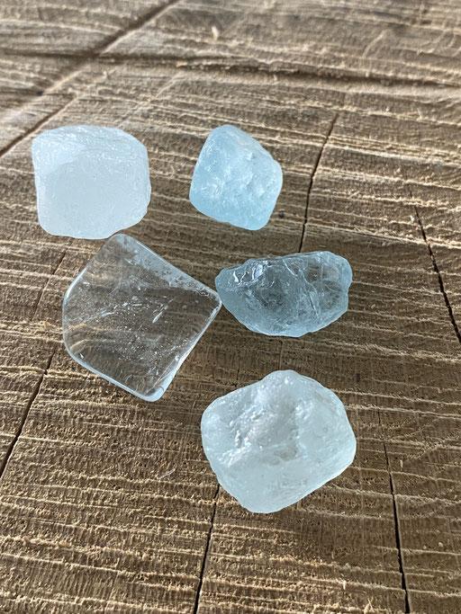 Topaze bleue Nimalaé Lithothérapie et boutique de minéraux