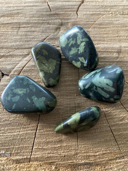 Porphyrite Nimalaé Lithothérapie et boutique de minéraux
