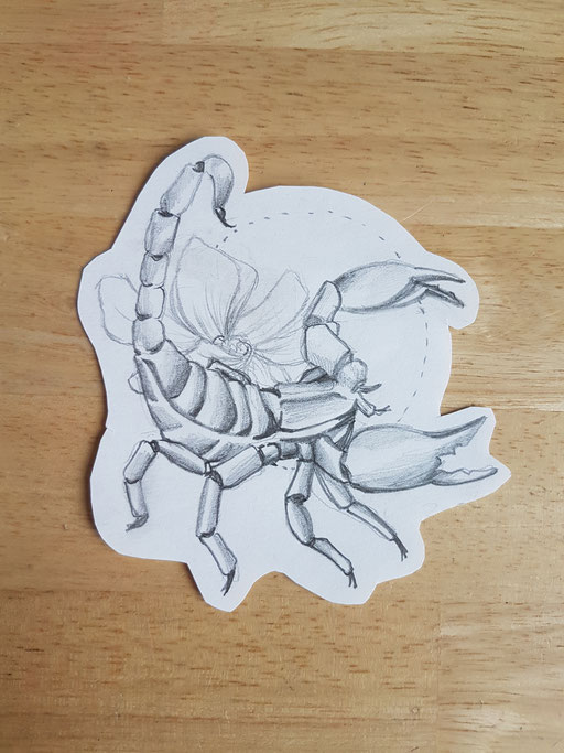Scrorpion fleur - Tatoueuse Marquise