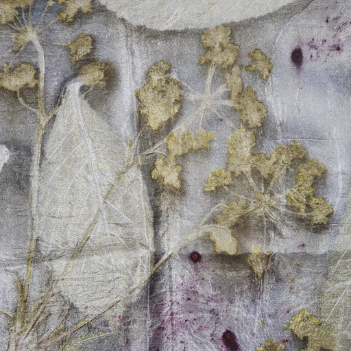 Detail van onze 'veldboeketsjaal' met Fluitenkruid, Paardebloem en verschillende grassen grassen