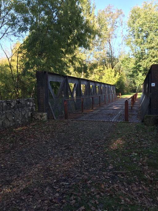 Pont de chemin de fer à Montaut