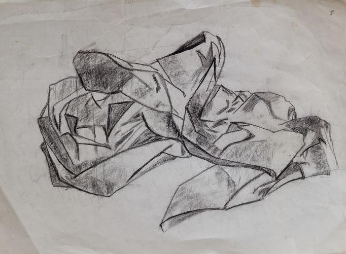 Johanna Schott // Zerknülltes Papier // Kohle auf Papier // 29,7 x 42 cm // 1984